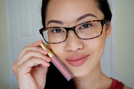 Tip Tuesday on how I apply liquid lipstick.