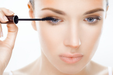 stock-photo-20910351-beautiful-woman-applying-mascara